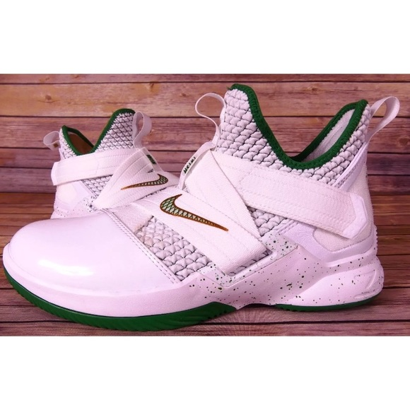 b050a1d554ed Nike Lebron James Soldier XII GS Basketball Shoes